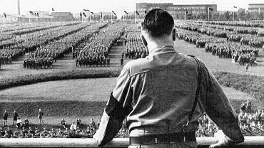 Dortmund, 1933 r., Adolf Hitler przemawia do członków SA