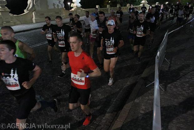 Zdjęcie numer 27 w galerii - Rekord frekwencji na Biegu Powstania Warszawskiego. Prawie 11,5 tysięcy biegaczy przebiegło ulicami Warszawy [ZDJĘCIA]