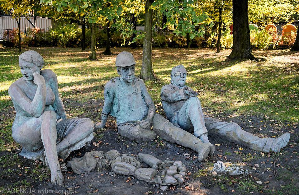 Katowice, zdewastowana rzeźba Śniadanie na trawie