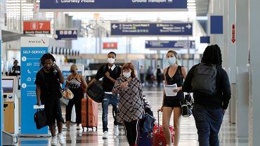 Koronawirus w Stanach Zjednoczonych nie odpuszcza. Na zdjęciu terminal lotniska O'Hare w Chicago