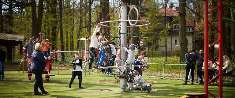 Czy to mądre chodzić na place zabaw podczas epidemii? Wirusolog komentuje: Mogę uspokoić nastroje w przypadku dwóch kwestii