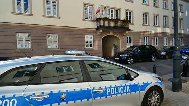 Czterolatka wypadła z okna w budynku przy ul. Zakroczymskiej