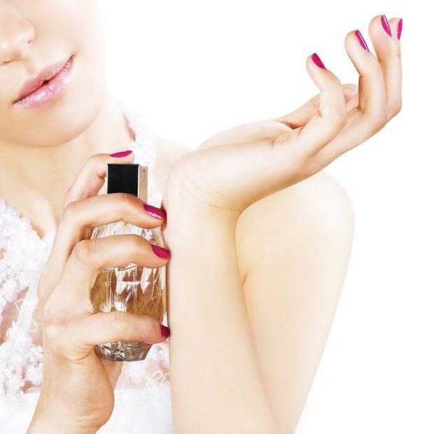 Jak rozpoznać podróbkę perfum?