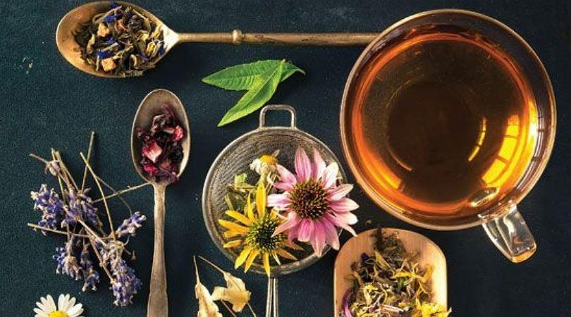 Ziołowe herbaty doskonale nadają się do detoksu organizmu.