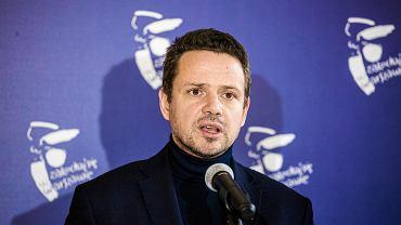 Prezydent Warszawy Rafał Trzaskowski i wiceprezydent Renata Kaznowska ogłaszają podwyżki dla nauczycieli w Warszawie