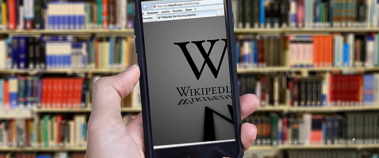 To mit, że Internet odciąga od czytania (fot. pixabay.com)