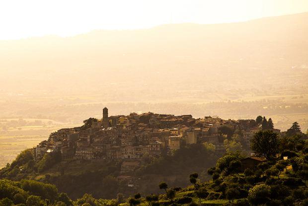 130 winogrodników z Cori uprawia ekologicznie 100 ha ziemi u stóp Monti Lepini, zaledwie 50 km od rzymskiego Koloseum