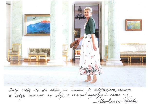 3856147d90 Agata Duda przekazała na aukcję WOŚP kremową sukienkę w kwiaty