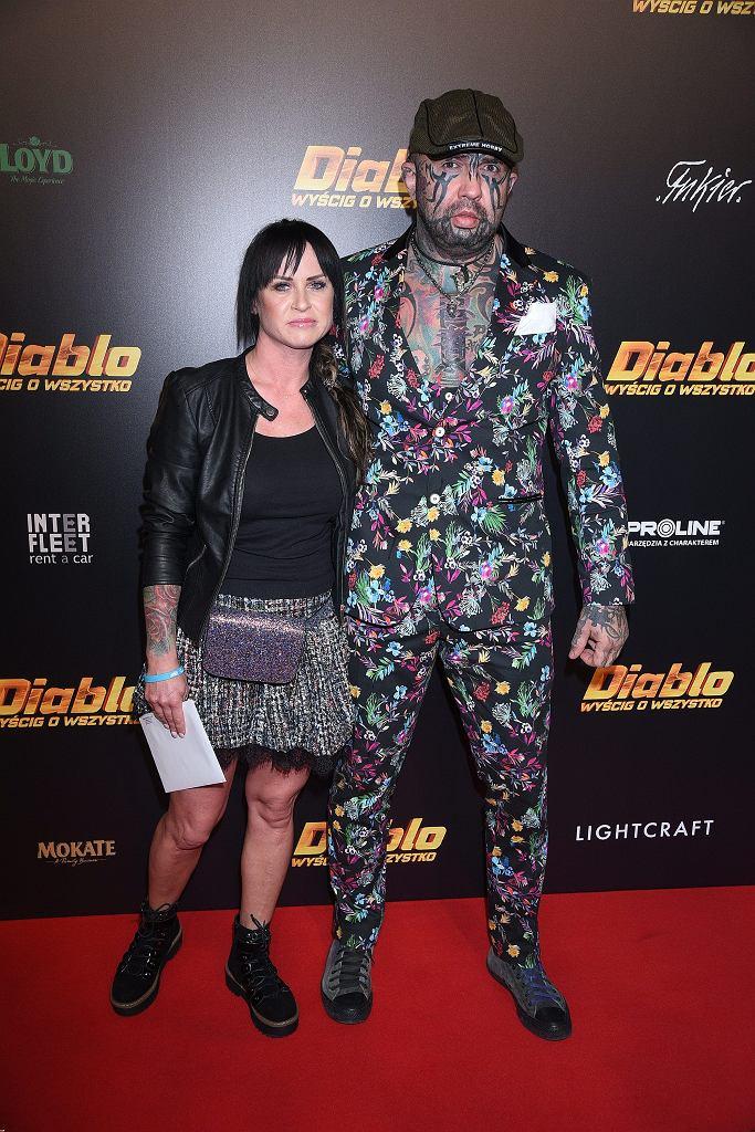 Marcin Różalski z partnerką na premierze filmu 'Diablo. Wyścig o wszystko'