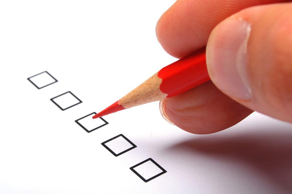Czy nauczyciele przy wystawianiu ocen powinni brać pod uwagę przede wszystkim zaangażowanie uczniów?