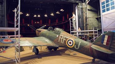 Replika samolotu z Bitwy o Anglię to tylko jedna z atrakcji 'Pilotów'. Superprodukcja Teatru Muzycznego Roma ma największy w historii polskiego teatru musicalowego budżet