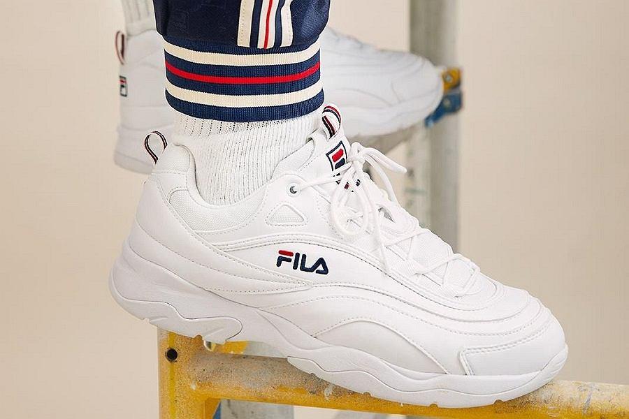Sneakersy i buty sportowe znanych marek z rabatem