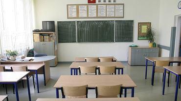 Dzień nauczyciela (szkoła - zdjęcie ilustracyjne)