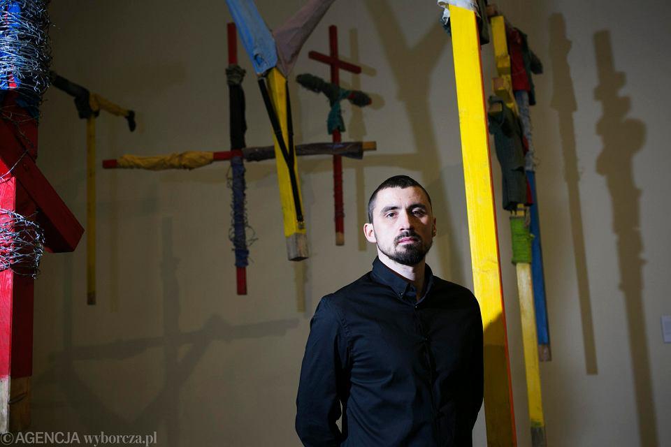 Daniel Rycharski na wystawie 'Strachy' w Muzeum Sztuki Nowoczesnej