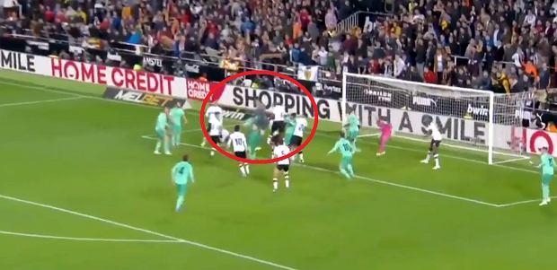 Bramkarz Realu Madryt strzela, potworne zamieszanie i gol! Szaleństwo w 95. minucie. Real Madryt uratował się z Valencią