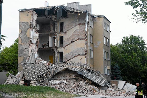 Zawalenie kamienicy w Warszawie