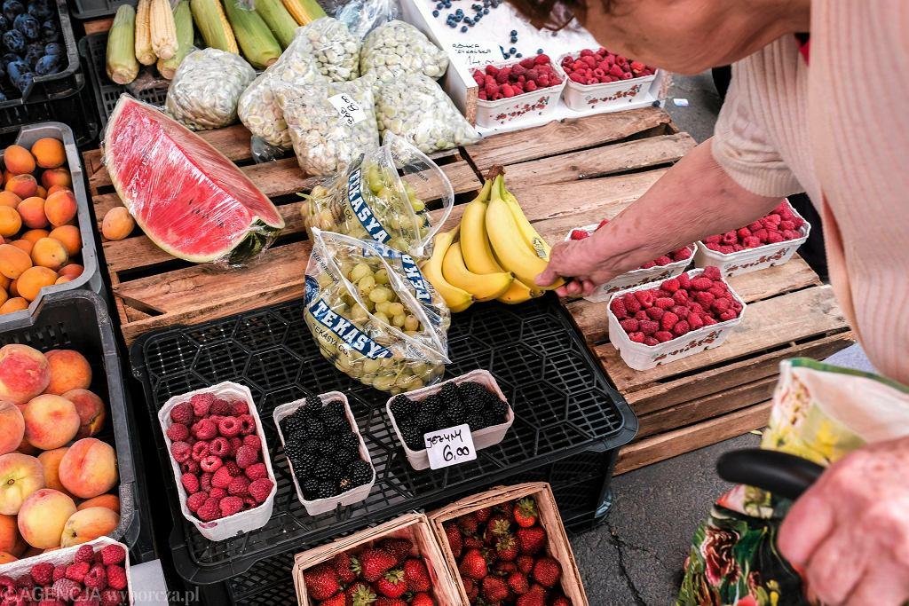 Stoisko z owocami w Rzeszowie