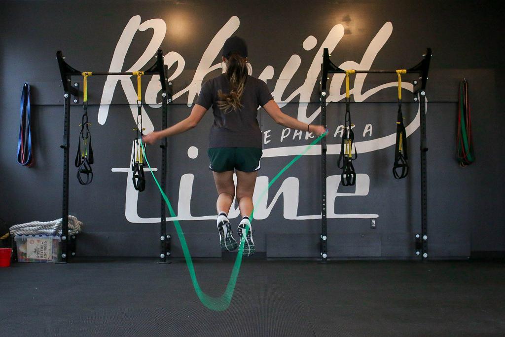 Trening z użyciem skakanki