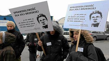 """Jolanta Brzeska po śmierci stała się twarzą ruchu lokatorskiego. Transparenty krzyczały: """"Wszystkich nas nie spalicie"""""""