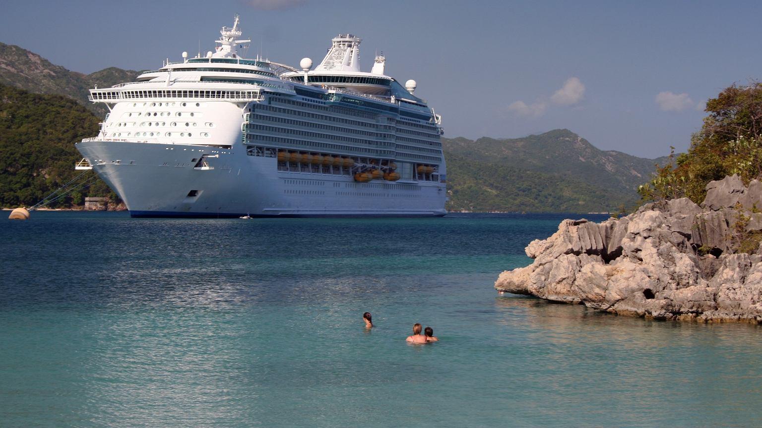 Statki pasażerskie zwykle oferują dwa rodzaje rejsów