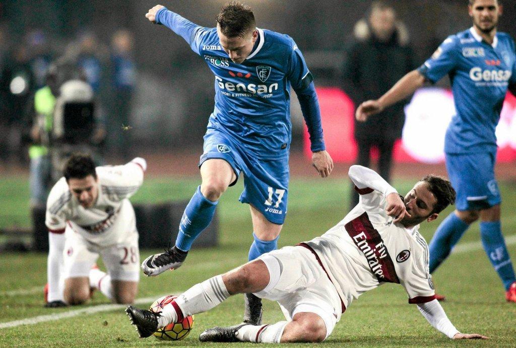 Piotr Zieliński (w niebieskiej koszulce) w barwach Empoli