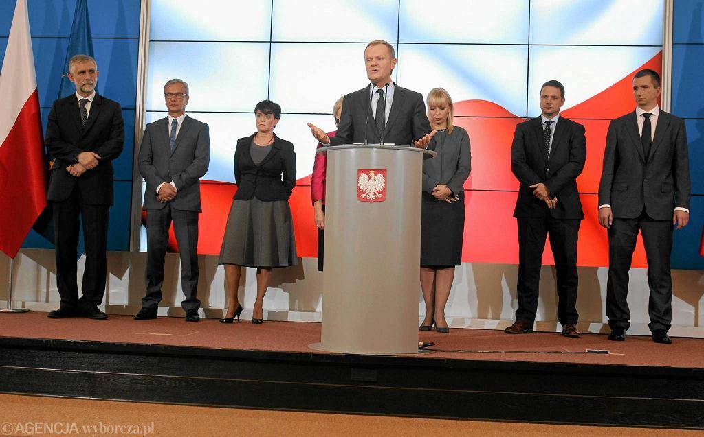 Konferencja prasowa premiera, na której przedstawił nowych ministrów