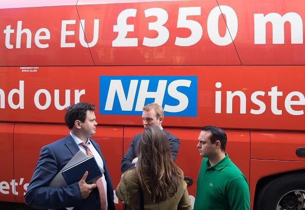 Nieprawdziwa informacja widniała na kampanijnym autobusie Borisa Johnsona