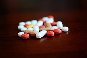 Czy tabletki można dzielić? Większości nie wolno - zadziałają za mocno lub wcale