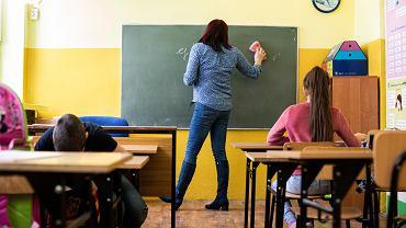 Powrót uczniów do szkół. Minister Przemysław Czarnek zapowiada programy wspomagające dla uczniów