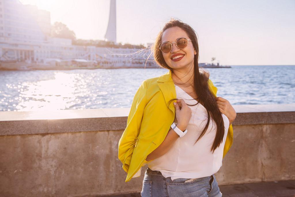 Moda 2020: bluzki na lato dla puszystych pań
