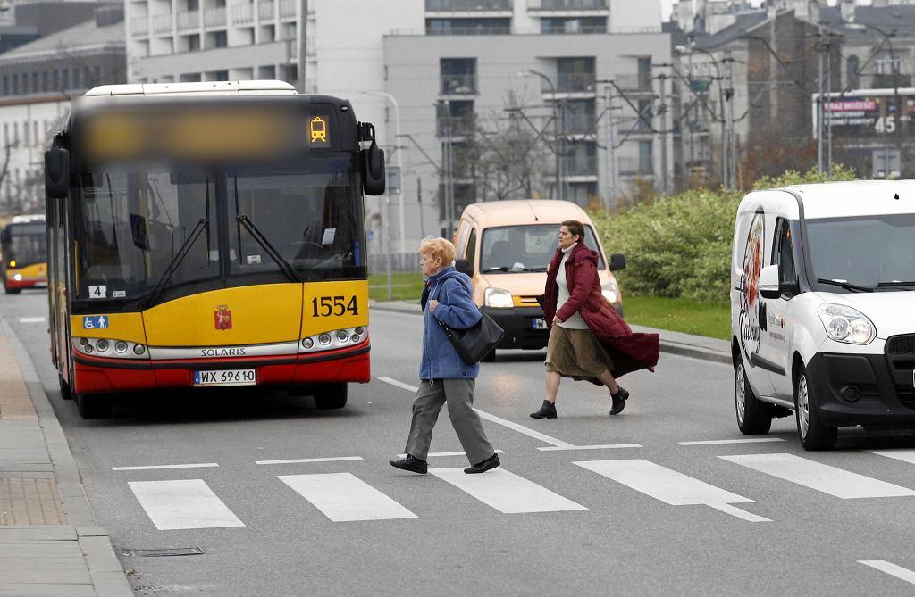 Autobus na ulicach Warszawy