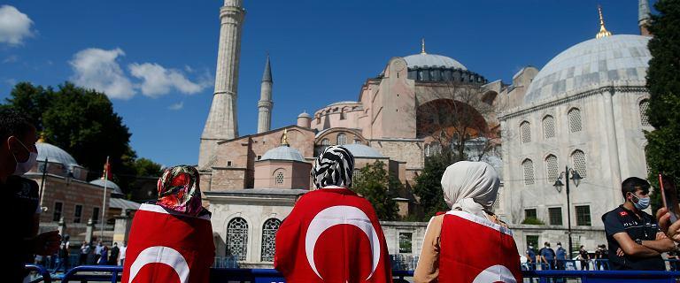 Turcja. Hagia Sophia przekształcona w meczet. Pierwsze modlitwy 24 lipca