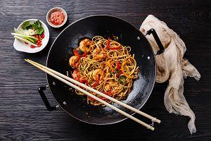 Patelnia wok - naczynie must have dla miłośników orientalnej kuchni