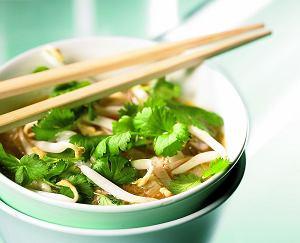 Zupa wietnamska z wieprzowiną