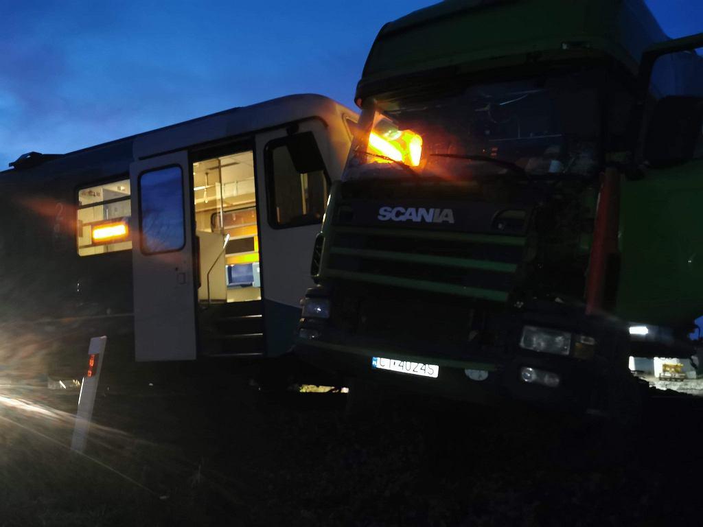 Kolizja pociągu i samochodu ciężarowego w miejscowości Granowo