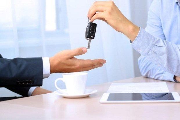 """Ile podatku VAT można odliczyć od samochodu z """"kratką""""?"""