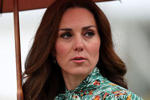 """Księżna Kate cierpi na rzadką przypadłość. Dotyka ona zaledwie 2 procent ciężarnych. """"Przebywa pod opieką w Pałacu"""""""
