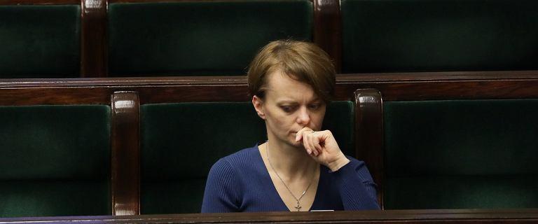 J.Emilewicz miała wrócić do rządu. Wypad na narty w tym przeszkodził