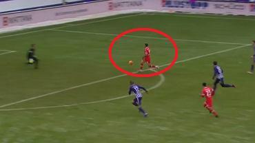 Dawid Kownacki strzela gola w meczu z Erzgebirge Aue