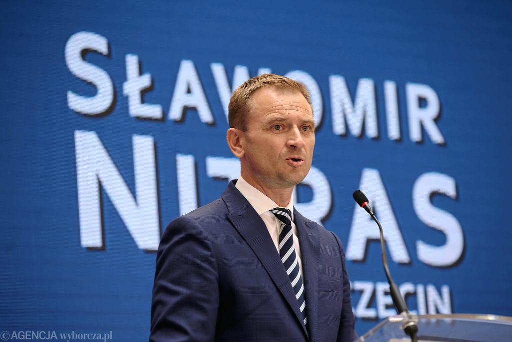 Sławomir Nitras pozywa Kancelarię Sejmu i marszałka Sejmu