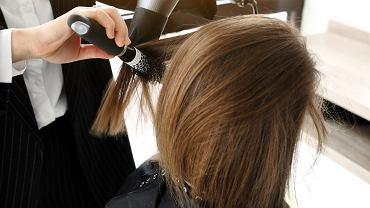 Modne i odmładzające fryzury dla 60-latek. Sprawdź, jak fryzurą odjąć sobie nawet 10 lat!