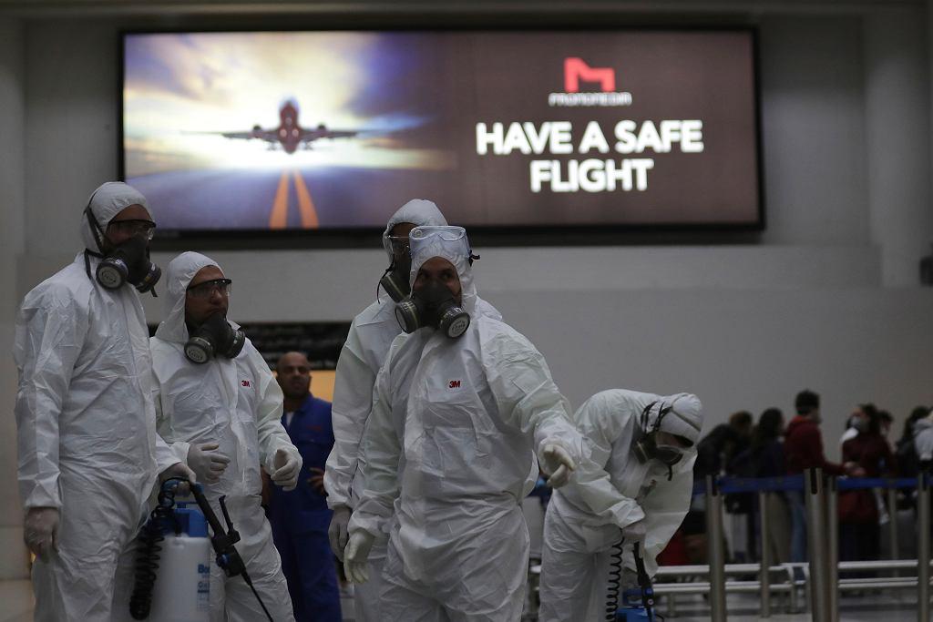 Koronawirus uderza w branżę lotniczą