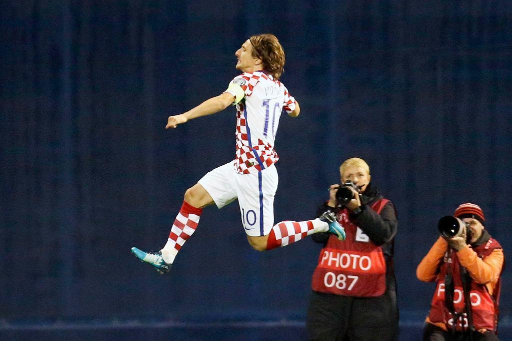 Luka Modrić podczas meczu z Grecją