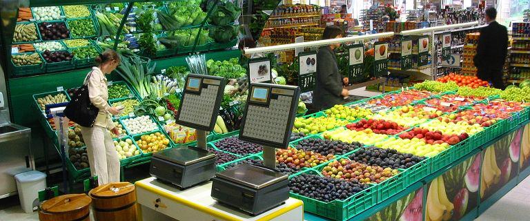 """Państwowa sieć sklepów spożywczych nie od podstaw. """"Rz"""" o planach rządu"""