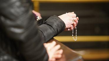 Dolnośląski sanepid szuka wiernych z kościoła w Sułowie (zdjęcie ilustracyjne)