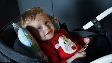 Dwuletni Wojtuś ze Zgierza choruje na skomplikowaną wadę serca. Jego jedyną szansą na normalne życie jest operacja w USA. Trwa zbiórka internetowa na ten cel