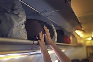 Pasażerka pozwała Ryanaira. Dostanie równowartość prawie 290 tys. zł. Spadł na nią bagaż