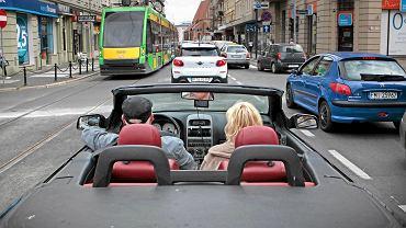 Św. Marcin - samochody i tramwaje stojące w korku