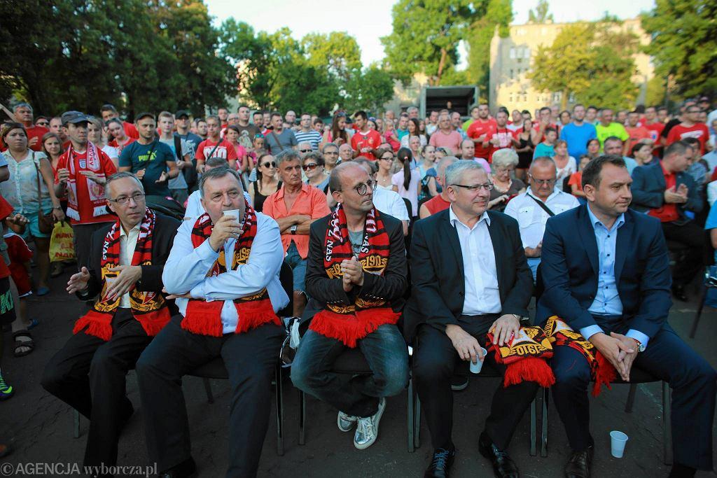 Prezentacja nowej drużyny Widzewa. Trzeci z lewej Grzegorz Waranecki