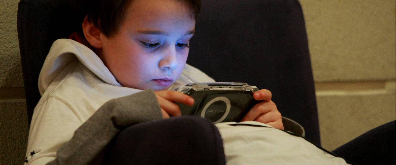 90 proc. dzieci poniżej 16. roku życia ma w Polsce dostęp do cyberprzestrzeni  (fot. Małgorzata Kujawka / Agencja Gazeta)